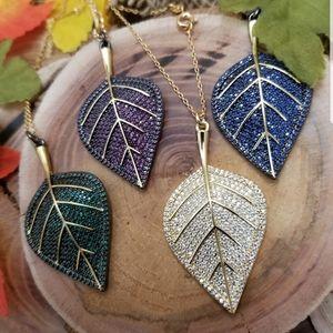 Leaf necklace 18k Gold fields hight quality..